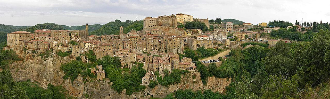 Sorano_-_Panorama_da_San_Rocco-1