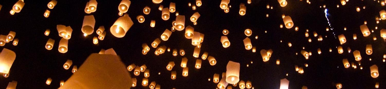 Yi_peng_sky_lantern_festival_San_Sai_Thailand-2
